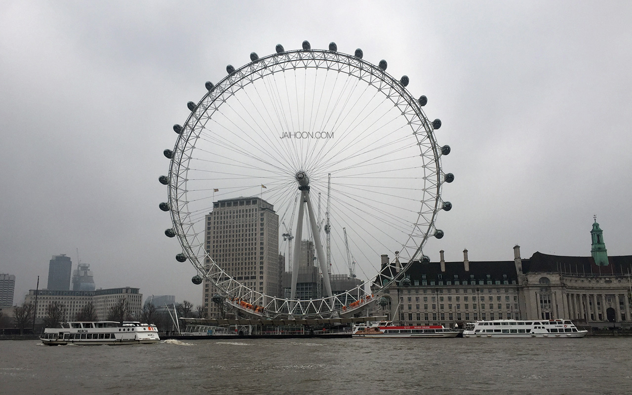 London Eye as seen from Victoria Embankment, London