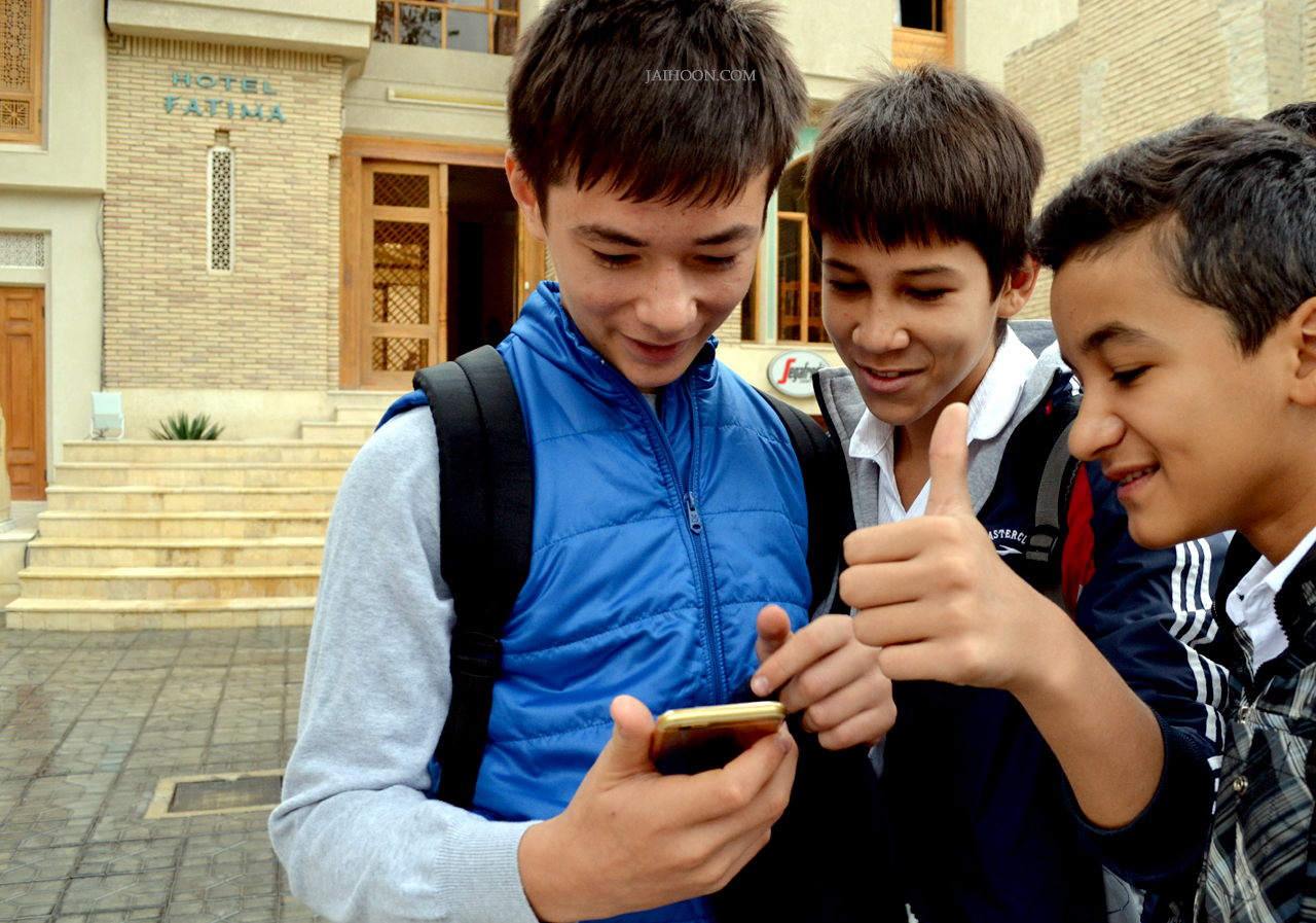 Native students excited at my iphone6