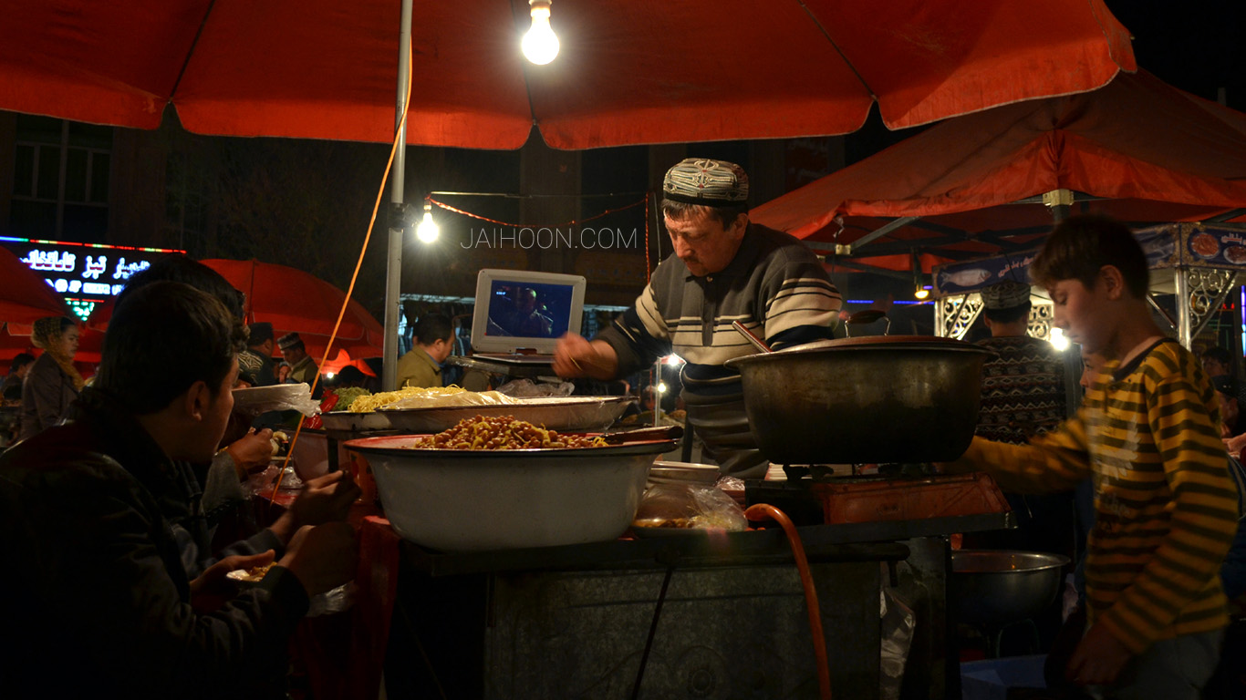 Night Bazaar, Kashgar