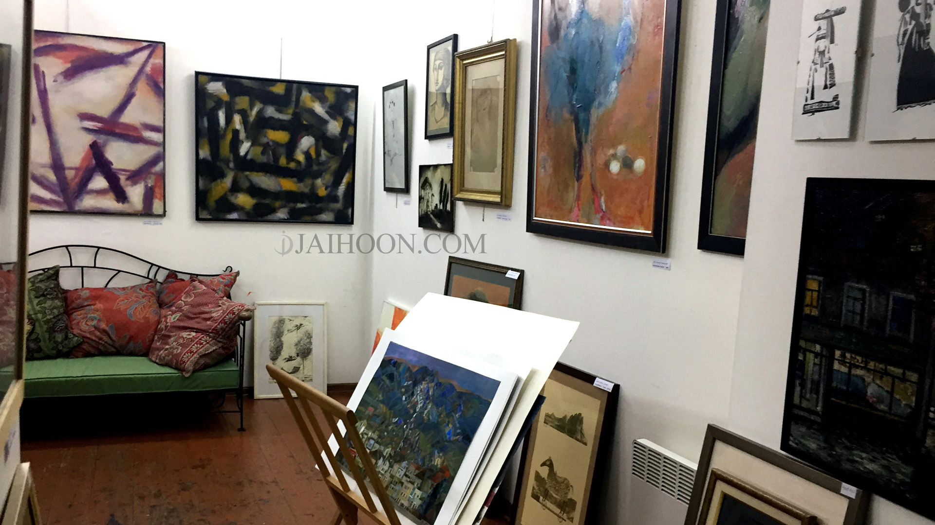 Art gallery at Shardeni street, Tbilisi