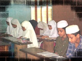 Madrasa scene (photo Jaihoon.com)